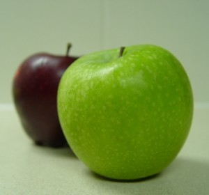 picture of apples which tend to be grown using a lot of pesticides