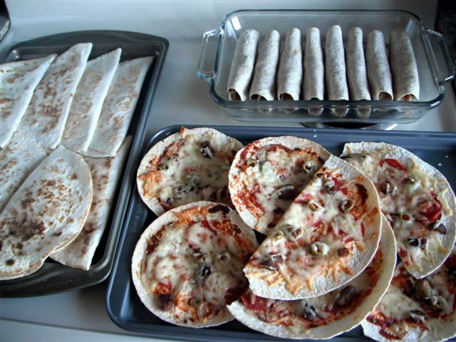 Picture of pizza assembly