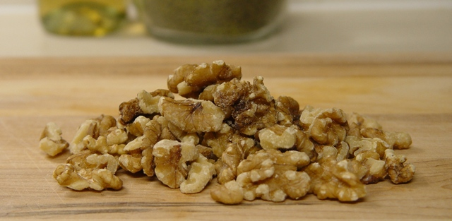 picture of walnuts - e. coli in walnuts