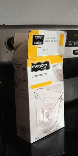 Photo of a box of corn starch